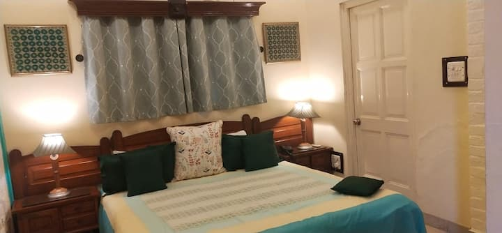 Cosy Room | Central | Boutique stay