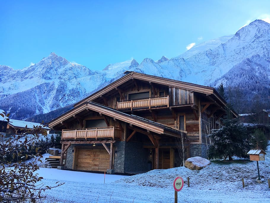 Beautiful chalet overlooking Mont Blanc on a private secluded road yet 90m from bus stop and shops/restaurants!