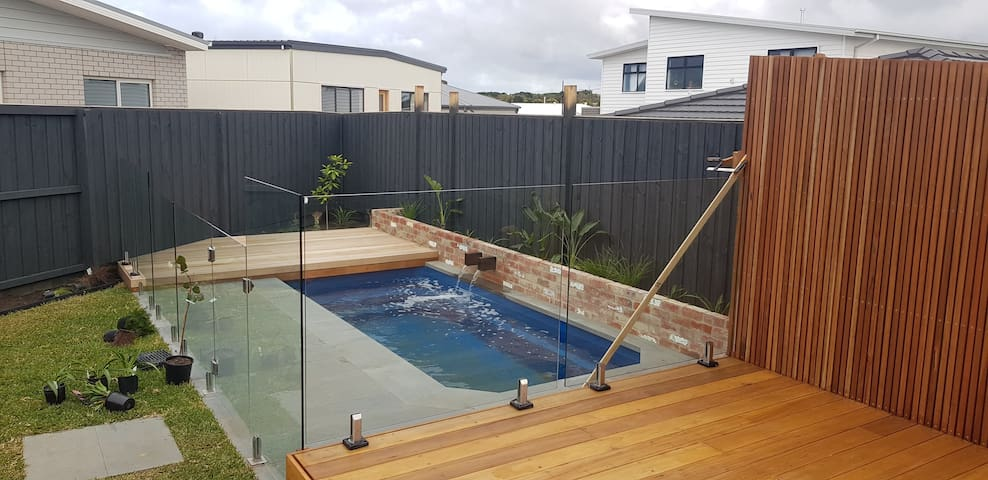 Brand new beach home - Torquay