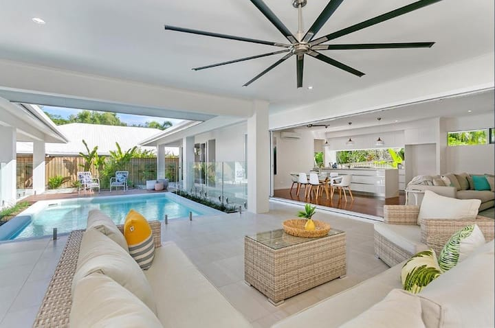 """Namaste"" - Private pool oasis in Palm Cove"