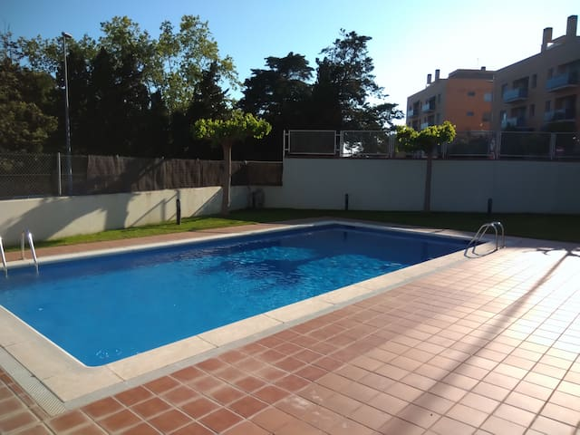 Private Suite with Pool - 2 min to beach - Montgat - Guest suite