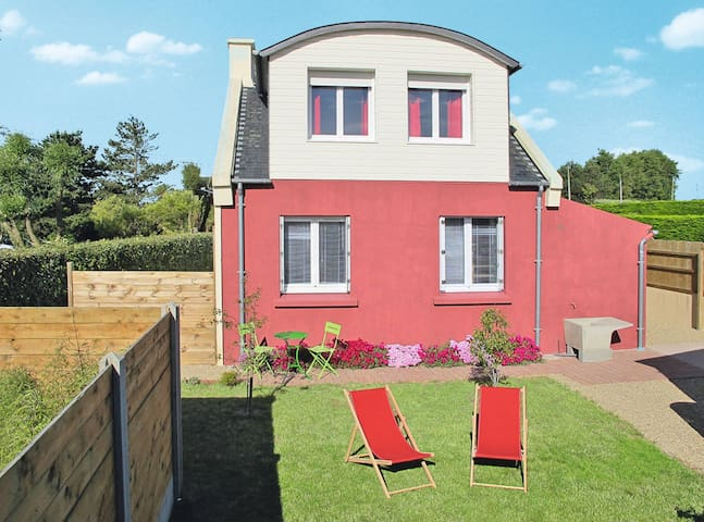 Holiday home in Plounéour-Trez