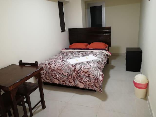 PRIVATE QUEEN ROOM SAN ISIDRO - Hotel Maxys Inn 2