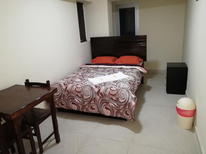 PRIVATE QUEEN ROOM SAN ISIDRO - Hotel Maxys Inn 2