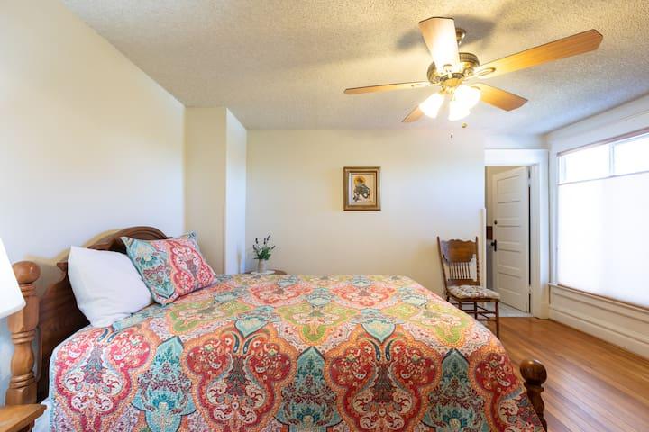 Bedroom #1 w/queen bed