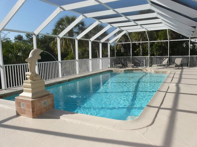 Spacious house on oversized lot with two master suites and heated pool