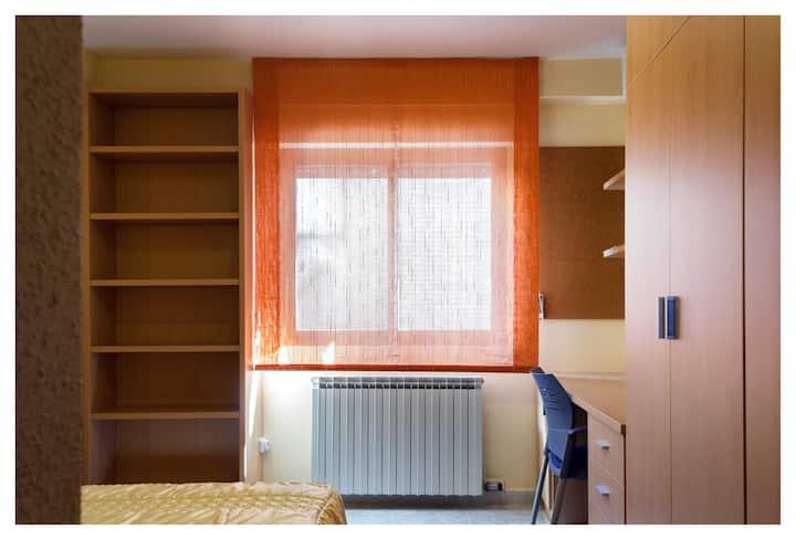 Habitación acogedora en apartamento particular
