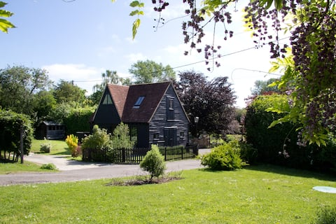 The Granary, Private Garden, Off Street Parking