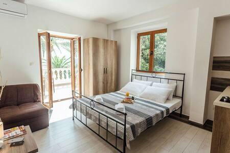Amazing view studio - Herceg Novi - Apartment - 1