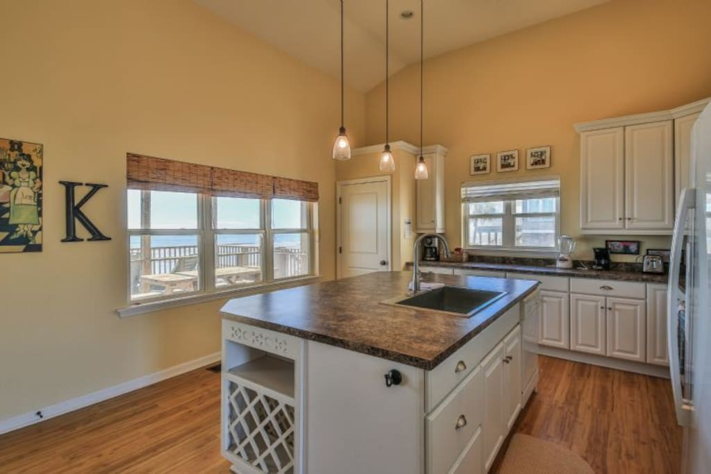 ocean views from the fully stocked kitchen