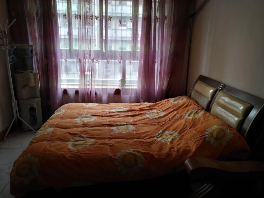 阳光大床温暖温馨是你解除疲乏之处的好地方