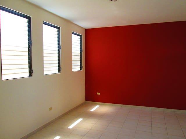 Karlotin Chambre à louer - Порт-о-Пренс - Квартира