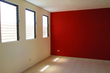 Karlotin Chambre à louer - Port-au-Prince - Lejlighed