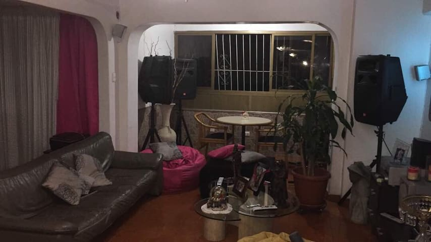 Comodo Apartamento en buena zona en Caracas