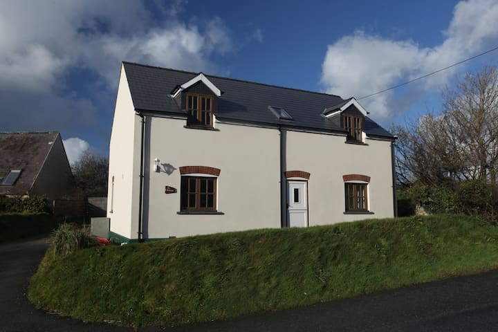 A comfortable and spacious home close to Newgale