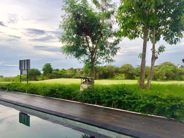 New Kuta Golf Villa Bedrooms with Ensuite - Sul de Kuta - Casa