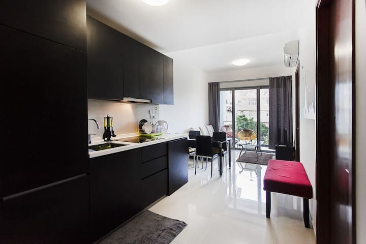 ♥♥Family 2BR Suite Spacious & Good Location (msl1)
