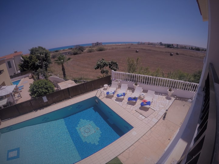 Aphrodite Villa Ayia Thekla with pool and wifi