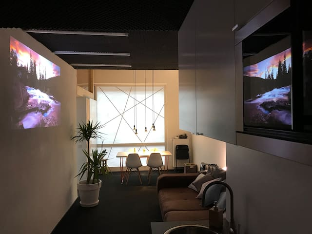 DESIGN LOFT ° with projector and fast wifi