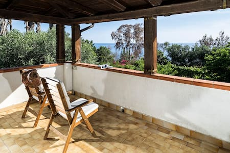Spacious Villa with Garden and Beach at 250 m! - Praialonga