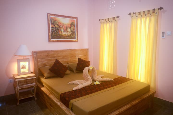 Cheap Room in Ubud Family Home