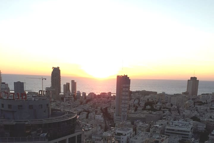 Amazing sea view apartment in the heart of TLV