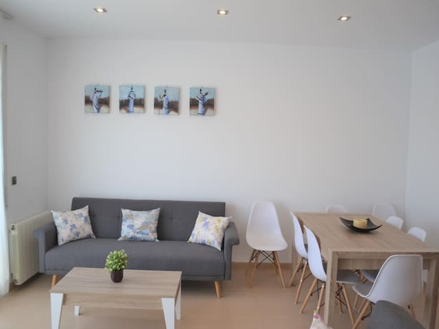 Apartment with terrace, solarium and sea views