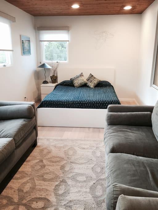 Bedroom, Queen size bed & sofas
