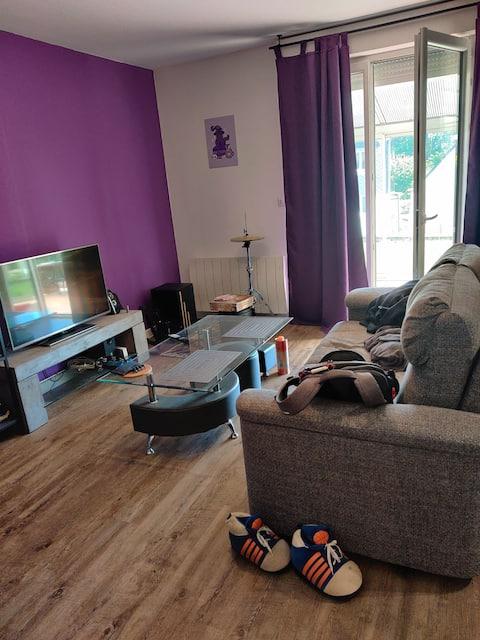 Refurbished apartment near the sea with veranda