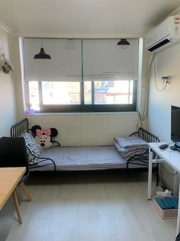 Funny Itaewon House (이태원역 도보 5분 거리)