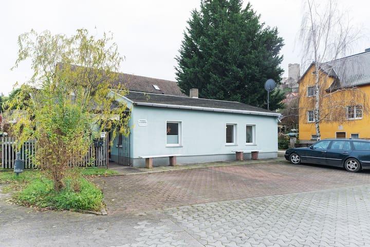 Comfortabel vakantiehuis in Naumburg bij een rivier