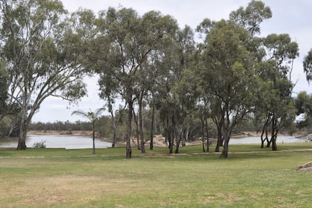Entire cabin with waterfront views of Murray River