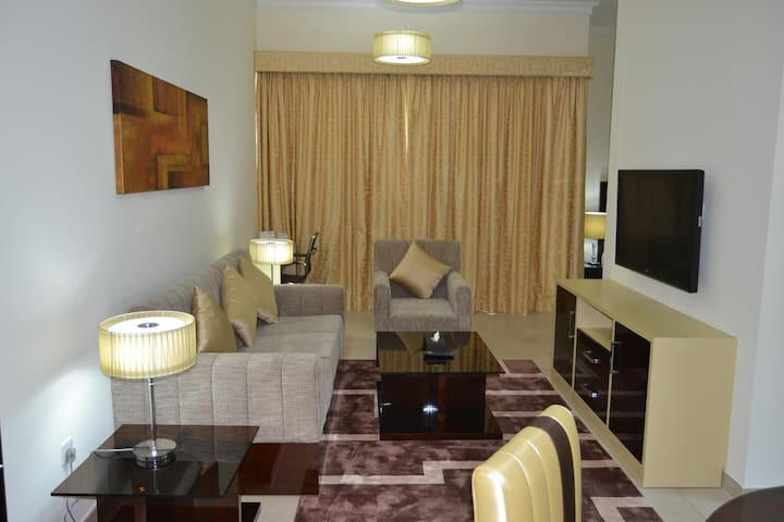 One Bedroom Apartment, 5min Drive to DXB Airport