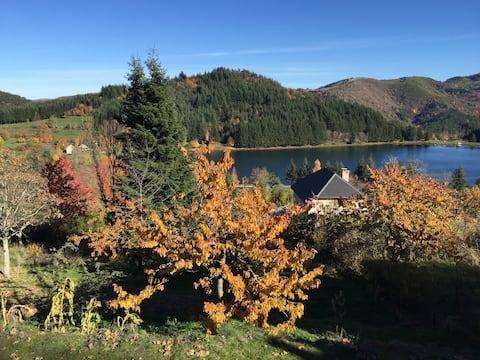 Appartement chaleureux avec vue sur le lac