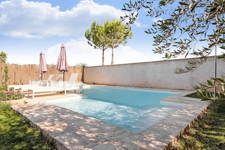 Vibrant Holiday Home in Fraga with Private Pool