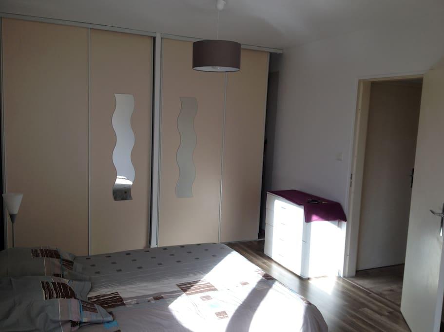 t2 meubl tr s calme proche centre ville appartements louer limoges nouvelle aquitaine. Black Bedroom Furniture Sets. Home Design Ideas