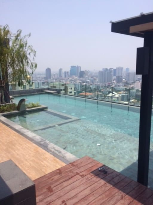 Roof Top Pool H Condo Sukhumvit 43