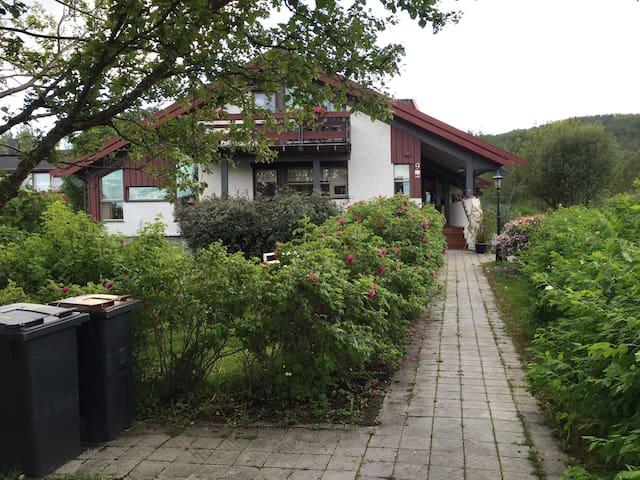 Brurvikveien 9 - Harstad - House