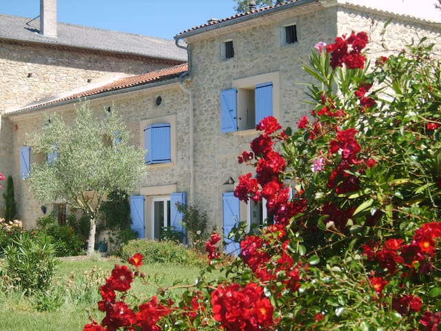 ancienne ferme en pierre - Lautrec - บ้าน