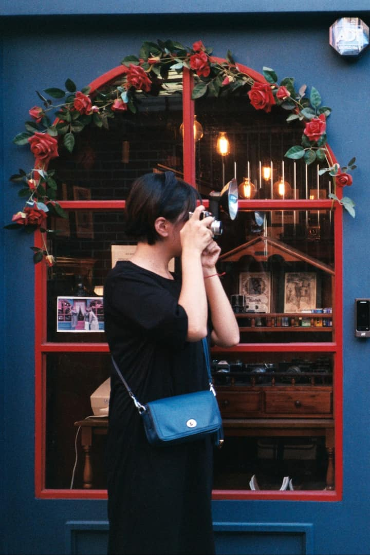 I shoot film and capture your moment