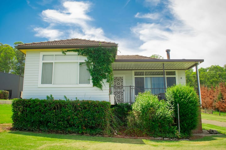 4 High View 3 bedroom, self contained  6 available