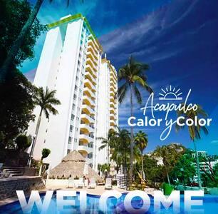 ¡Acapulco Twin Towers! Calor, Color y descanso.
