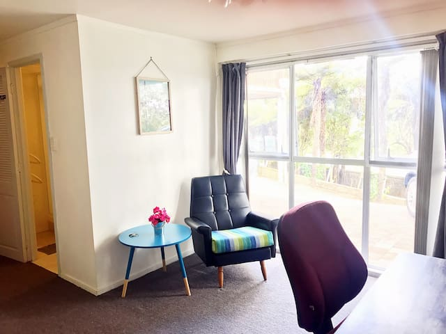 Roomy ensuite with city view walk to beach