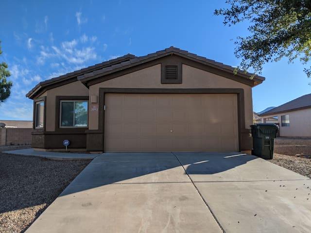 Private home in central Sierra Vista!!