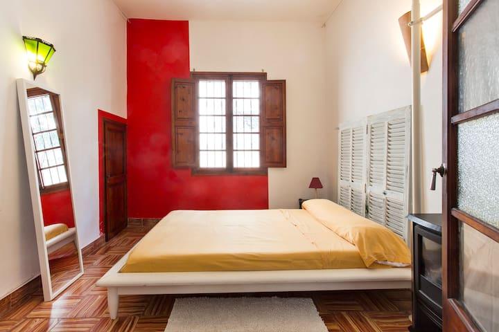 habitacion en gran chalet - Palma - House