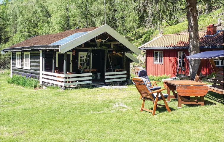 Holiday cottage with 2 bedrooms on 80m² in Iveland