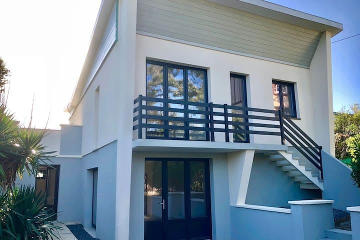 """Villa moderne """"Oceola"""" à deux pas de la plage"""