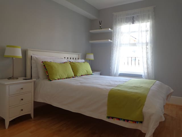Smart double room  with en-suite, Muswell Hill
