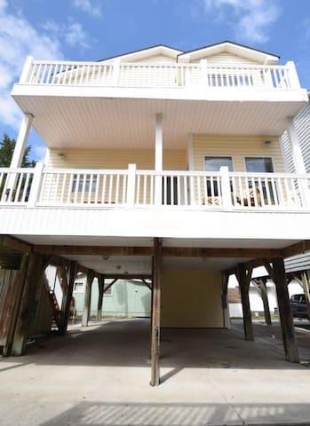 Large Oceanview House in Ocean Lakes w/ Golf Cart