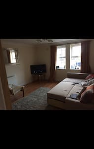 Private room + Bathroom - Ewloe